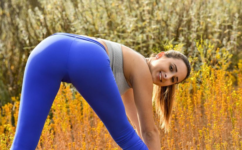FTV beauty Ashley Adams in tight leggings working out